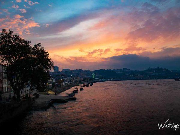 <span>Tramonto sul Rio Douro – Porto</span><i>→</i>