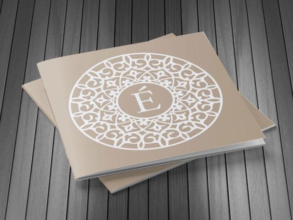 <span>Brochure Centro Estetico</span><i>→</i>